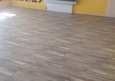 Podlahy v budoucí 1. třídě hotovy