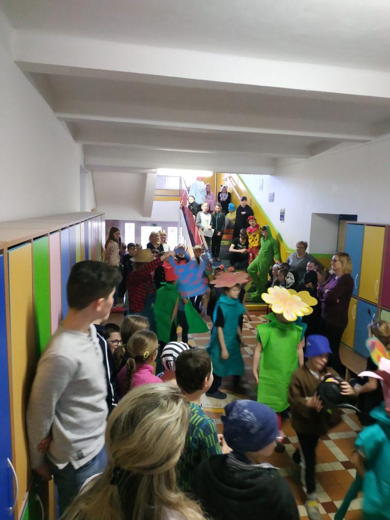 Tradiční masopustní veselí na základní škole