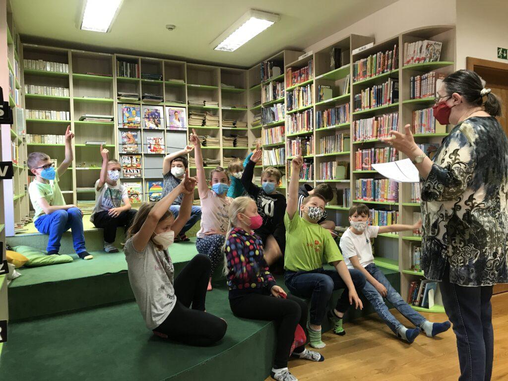 Třeťáci ve strakonické knihovně